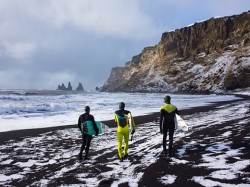 surfers-iceland