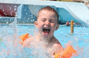 Child-on-Waterpark-Holiday